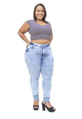 Calça Jeans Plus Size Feminina Manchada Cheris Hot Pants