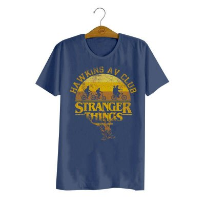 Pré-Venda - Camiseta Stranger Things Hawkins AV Club