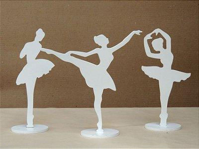 Trio de Bailarinas em Madeira de Mesa