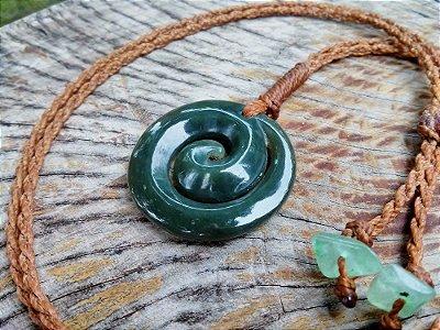 Colar Maori Espiral Koru Jade Pounamu