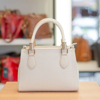 Mini bolsa de couro legítimo Andressa off-white tramatto