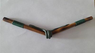 Tipi em Bambu Orgânico tratado feito artesanalmente  na cor verde