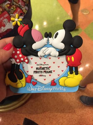 Porta Retrato Magnetico Mickey e Minnie Love