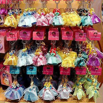 Chaveiro princesas Ariel, Anna, Branca de Neve, Bela, Cinderela, Jasmine, Rapunzel, Tinker Bell, Alice