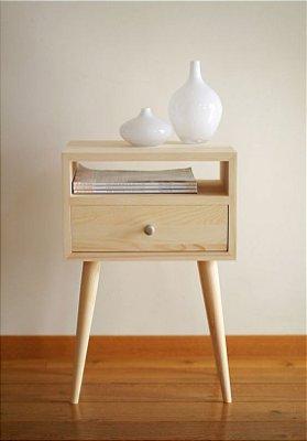 Mesa de Cabeceira com Pé Palito e Gaveta - Escolha sua cor! - Design Retrô