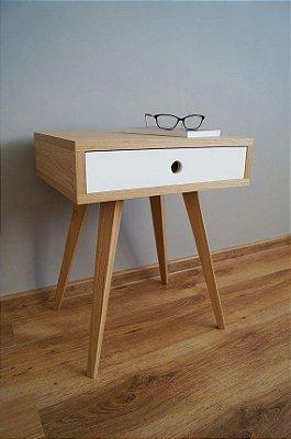 Mesa de Cabeceira Retrô - Design Único - Você Escolhe a Cor!