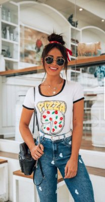 T-shirt Pizza Branca| Bordada + Aplique de Paetê - Lantejoulas [ Petit Rosè ]