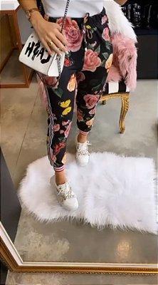 Calça Jogger Estampada Petit Rosè | Floral ( Preta )