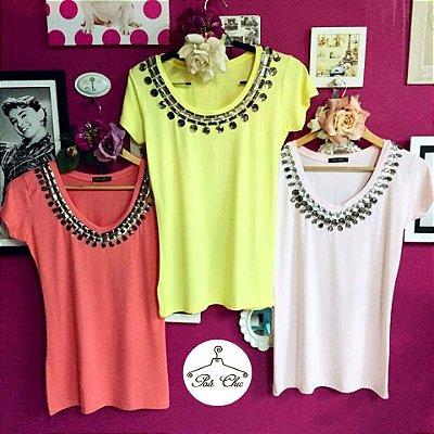 T-shirt Lisa Bordada Maxi Colar || Petit Rosè - Cores: Coral e Rosa Bebê
