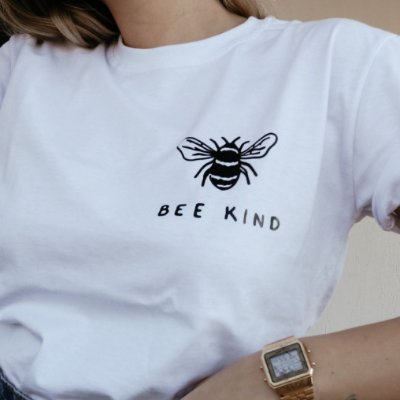 T-SHIRT BEE KIND