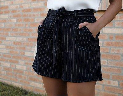 Shorts Risca de Giz com faixa