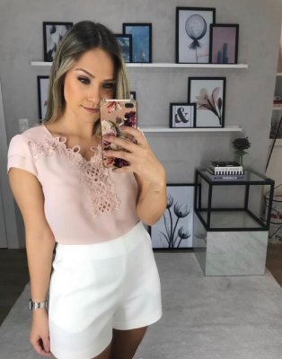 Blusa Renda Pérolas (OFF E ROSÊ)