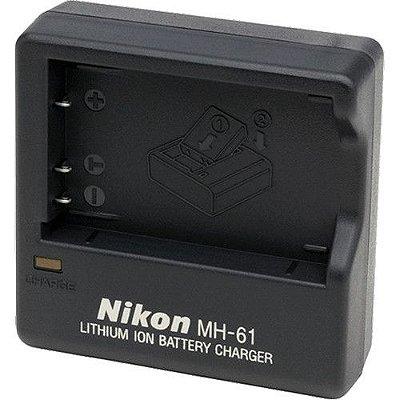 Carregador Nikon MH-61 para Bateria Nikon EN-EL5 Câmeras COOLPIX P90 / P500 / P510 / P520 / P530