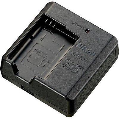 Carregador Nikon MH-67P para Bateria EN-EL23 para câmeras COOLPIX B700 / P900 / P610 / P600 / S810