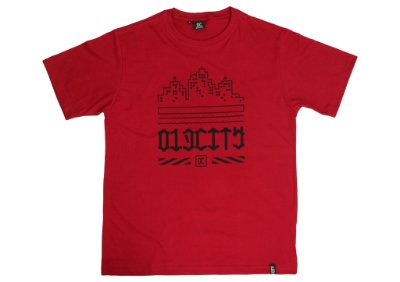 Camiseta  Old City - building  - Vermelha .
