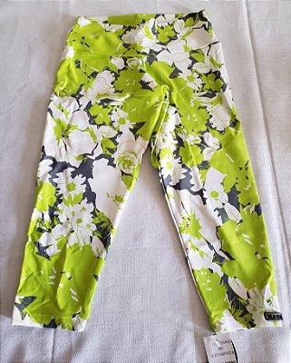 Calça Corsário Flores Verde (COM AVARIA)