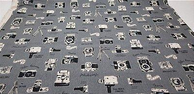 Máquina Fotográfica em Black & White  (50x110cm)
