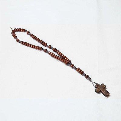 Terço pulseira em madeira marrom com cruz - A Dúzia - Cód.: 9030