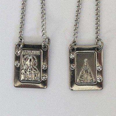 Escapulário em metal do Sagrado Coração de Jesus e Nossa Senhora Aparecida com strass - O Pacote com 6 unidades - Cód.: 7926