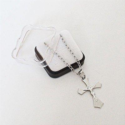 Colar Crucifixo em aço inoxidável com caixinha - Cruz grande - Pacote com 3 peças - Cód.: 6630