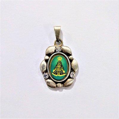 Pingente Bordado com Strass de Nossa Senhora Aparecida na cor Prata - O pacote com 6 peças - Cód.: 5174