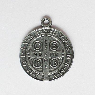 Medalha de São Bento em níquel - 3 cm - Pacote com 20 peças - Cód.: 7872