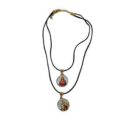 Gargantilha com Dois Cordões e Medalhas em Acrílico - Sagrado Coração de Jesus e Nossa Senhora do Carmo - O Pacote com 6 peças -Cód.: 8519