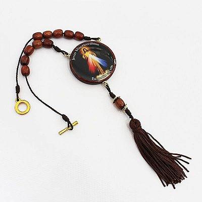 Medalhão para carro, em madeira resinada com fecho - Jesus Misericordioso - O pacote com 3 peças - Cód.: 0721