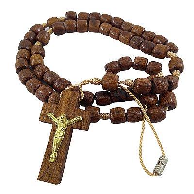 Terço em madeira marrom, com fecho, cruz com Cristo - A Dúzia - Cód.: 4592