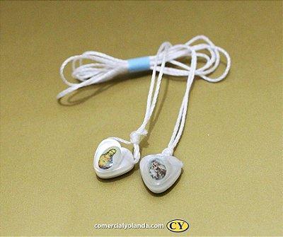 Escapulário com cordão de nylon, medalha de coração perolada - Pacote com 50 peças - Cód.: 41