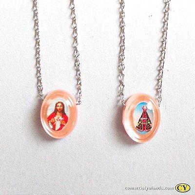 Escapulário em plastico madrepérola - Cor Salmão, Sagrado Coração de Jesus e Nossa Senhora Aparecida, corrente em aço inox - Pacote com 6 Peças - Cód.: 6353