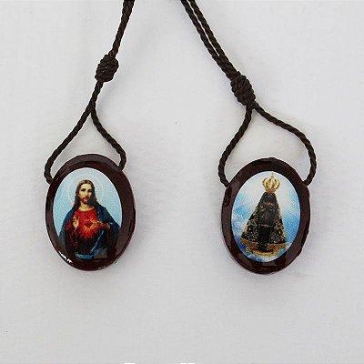 Escapulário em madeira resinado, Sagrado Coração de Jesus e Nossa Senhora Aparecida - A duzia  - Cód.: 4315