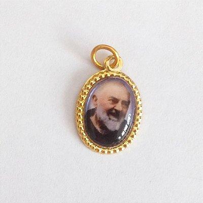 Medalha de Alumínio Resinada - Padre Pio - Pacote com 100 peças - Cód.: 447