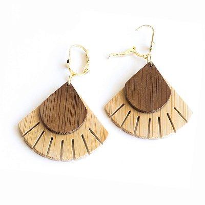 Leque - Brinco artesanal em bambu e ouro - Arte do Mato
