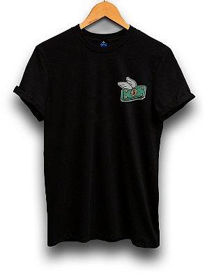 Camiseta Bordada Dinheiro Alado