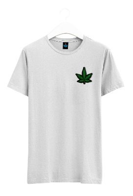 Camisa Bordada da Maconha