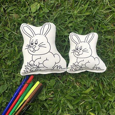 Dupla de coelhos pequeno e médio
