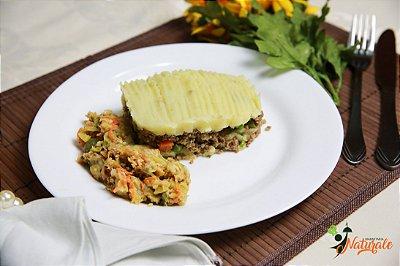 FIT15 - Escondidinho de carne moída com purê de batata doce, abobrinha com cenoura e aveia refogados