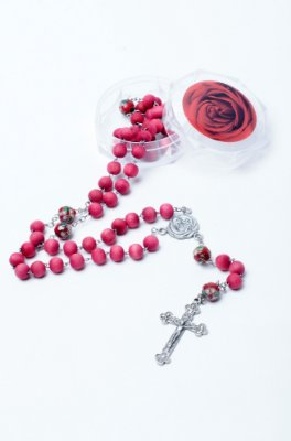 Terço de Rosas - 8mm - Santa Teresinha
