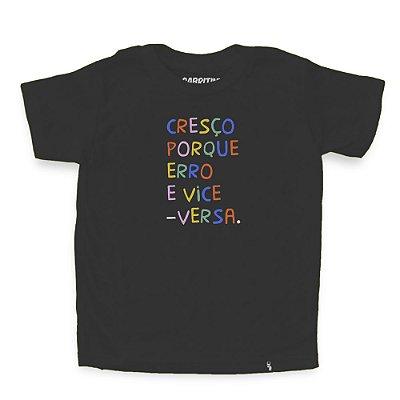 Cresço Porque Erro - Camiseta Clássica Infantil