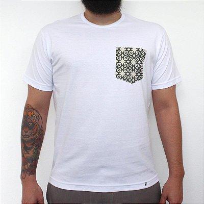 Conserto - Camiseta Clássica com Bolso Masculina