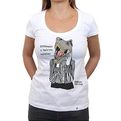 Esperando o próximo meteoro - Camiseta Clássica Feminina