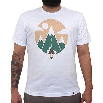 Mountain Tent - Camiseta Clássica Masculina