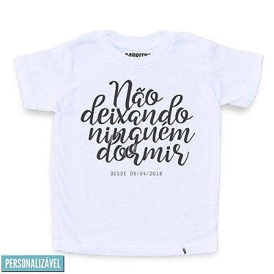 Não Deixando Ninguém Dormir - Camiseta Clássica Infantil