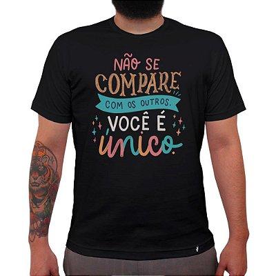 Não Se Compare Com os Outros - Camiseta Clássica Masculina