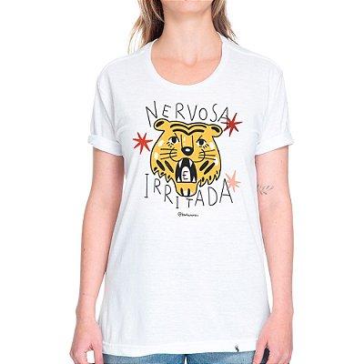 Nervosa e Irritada - Camiseta Basicona Unissex