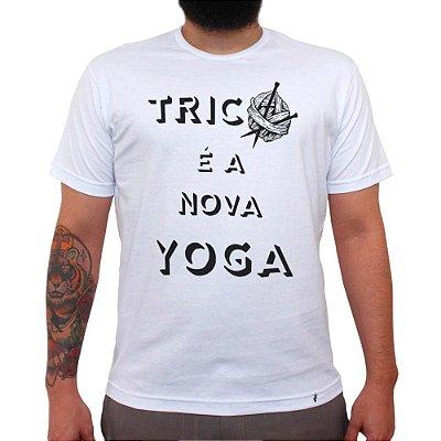 Tricô é a Nova Yoga - Camiseta Clássica Masculina