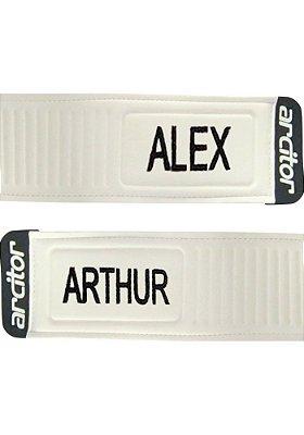 Personalização de luvas de goleiro em bordado (dois nomes)