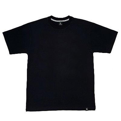Camiseta básica preta lisa
