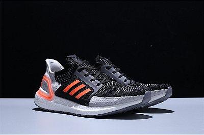 Tênis Adidas Ultra Boost 5.0